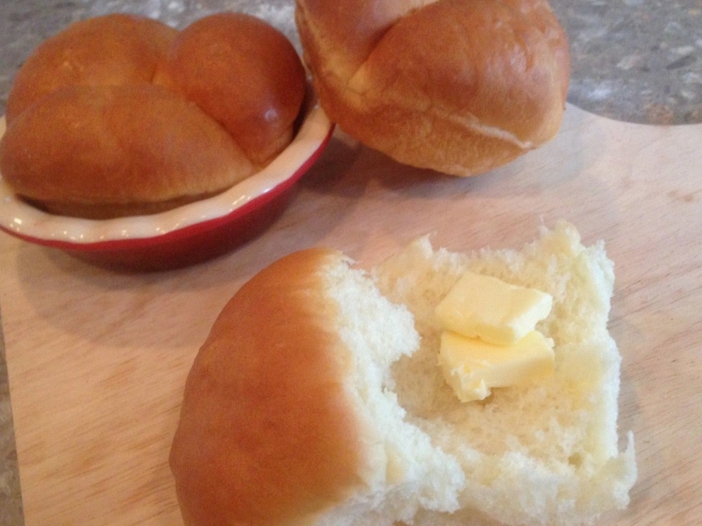 Light and Fluffy Dinner Rolls