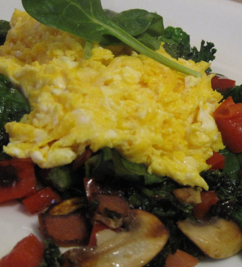 Low Carb Scrambled Eggs, Kale and Spinach