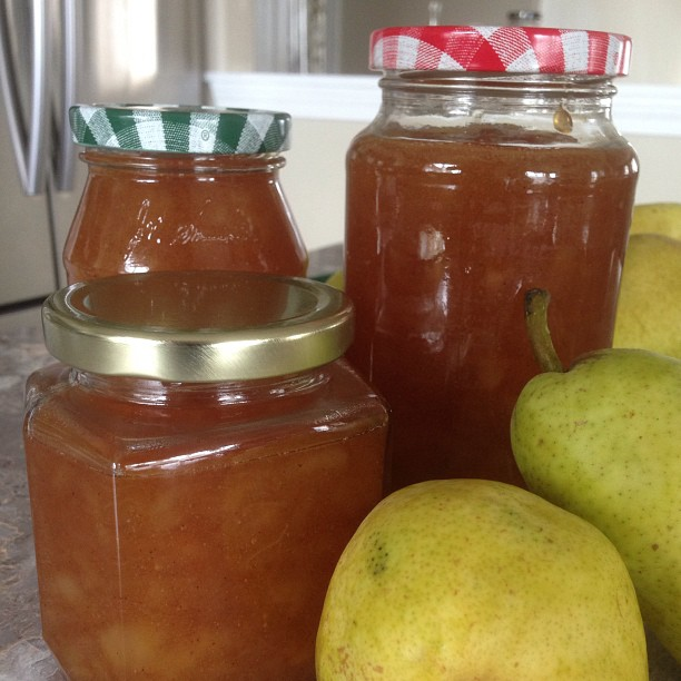 Lightly spiced Pear Jam
